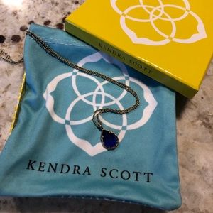 Kendra Scott Kira pendant necklace electric blue